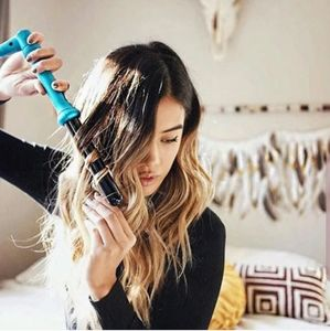 🌹 NEW - Nume 25MM Teal Curling Wand